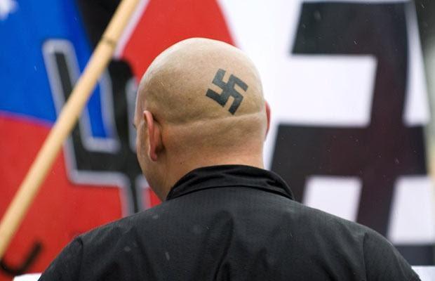 swastika-tattoo_1387330i