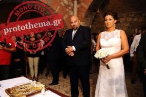 Οχι μία, αλλά 178 «αποκλειστικές» φωτογραφίες από τον γάμο του Παναγιώταρου φιλοξενεί το «Πρώτο Θέμα»