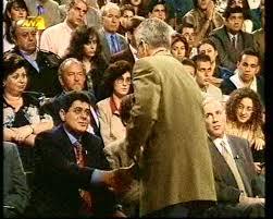 Μιχαλολιάκος-Πρετεντέρης συζητάνε για το 'δημοκρατικό σύστημα'...