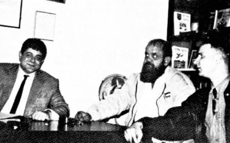 Ο Νίκος Μιχαλολιάκος υποδέχεται στελέχη της νοτιοαφρικανικής οργάνωσης AWB στα γραφεία της Χρυσής Αυγής