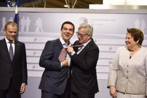 150814-junker_tsipras_gravata