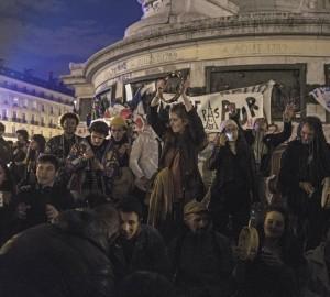 agripnes-nihtes-sto-Parisi